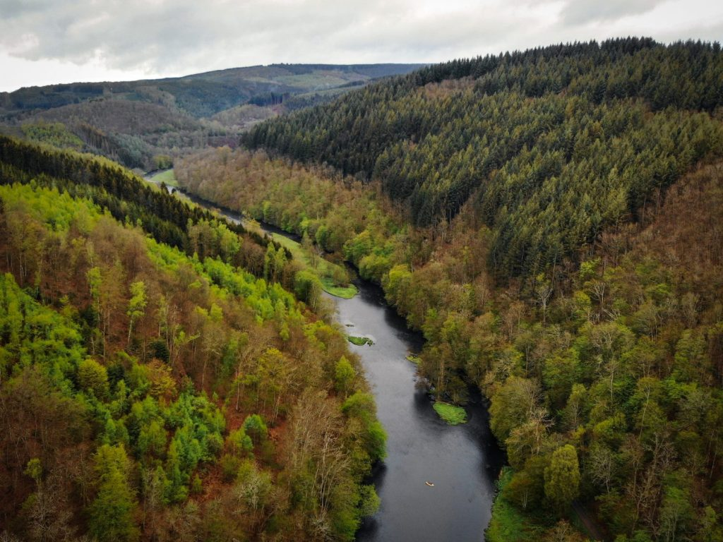 Microaventure et packraft sur l'Ourthe - Microaventures
